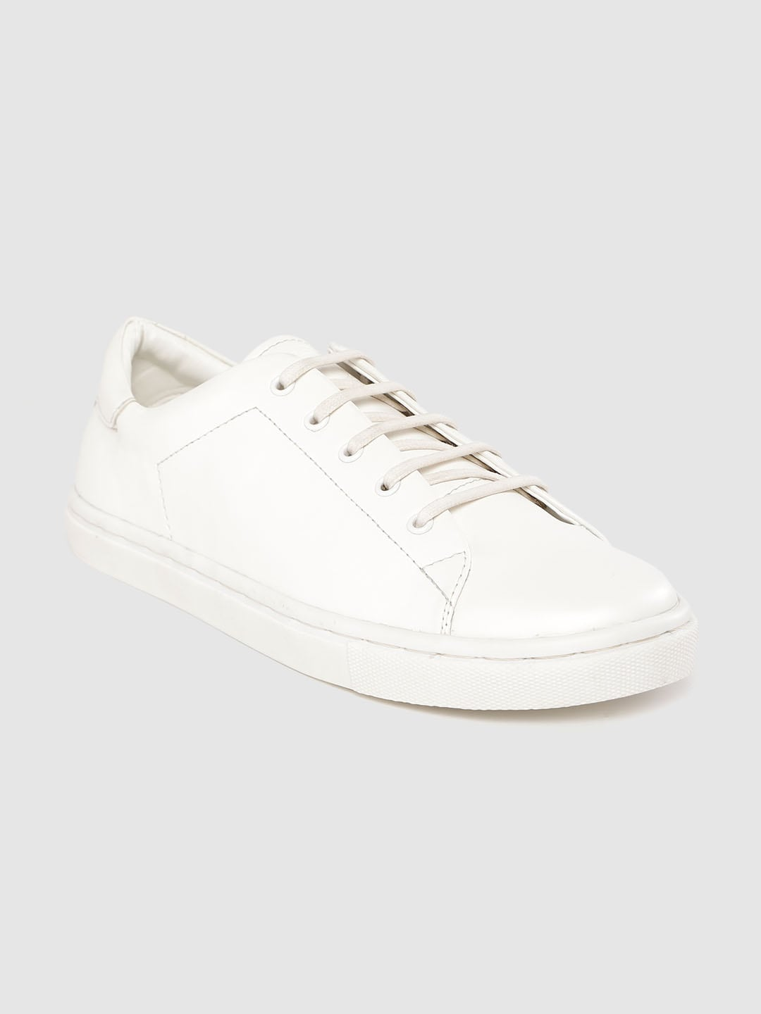 Roadster Men White Solid Sneakers-11268450