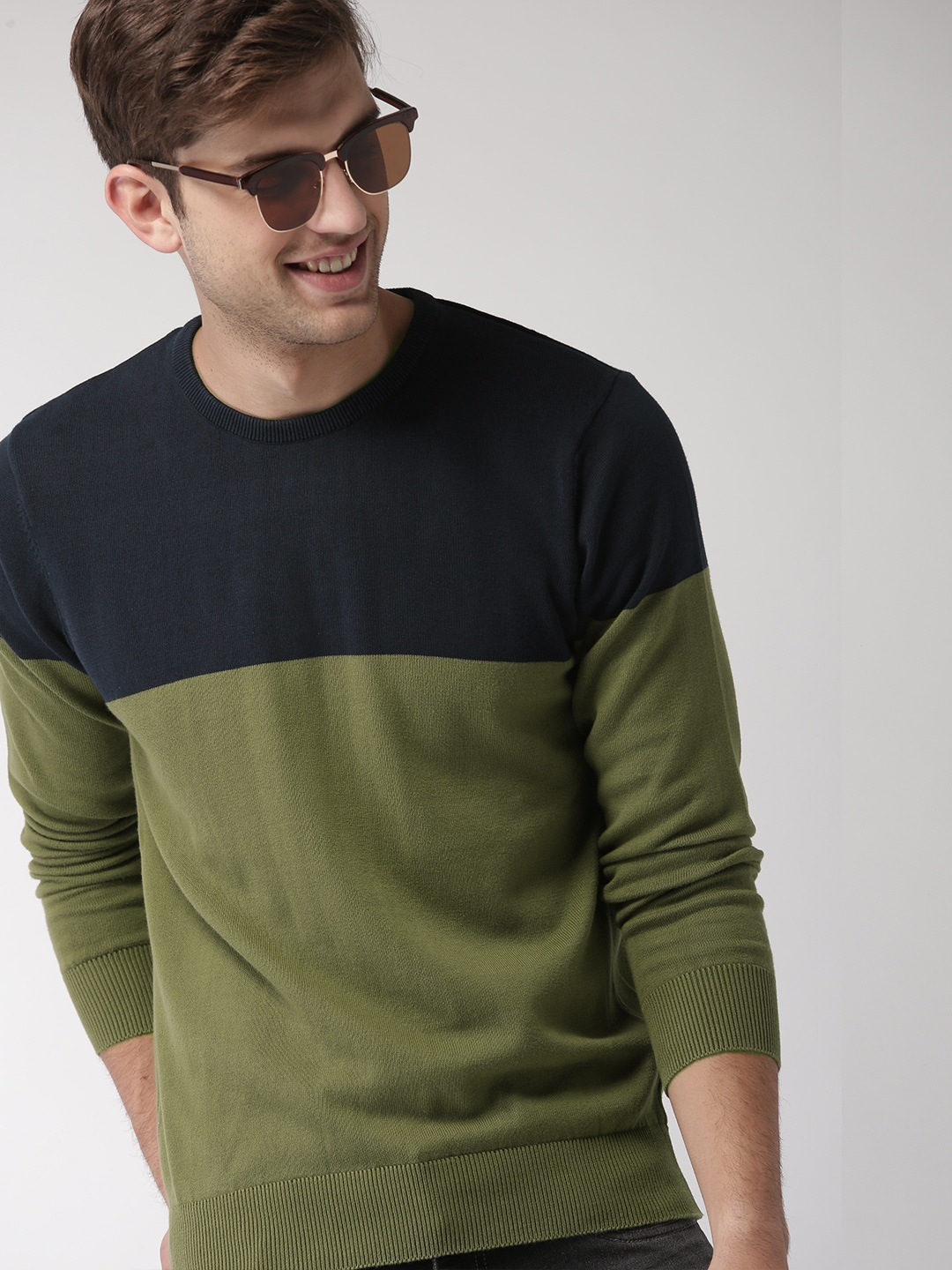 Mast & Harbour Men Olive Green & Navy Blue Colourblocked Pullover Sweater-5591291