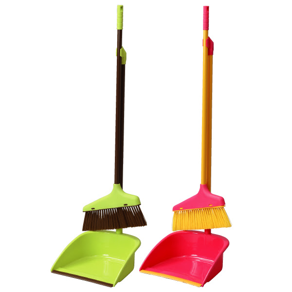 Standing Dustpan and Brush Set