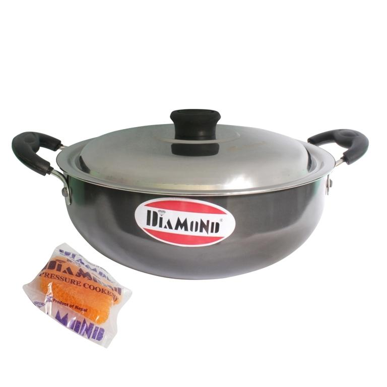 Diamond Black Hard Anodized 280Mm Karahi With Lid And Free Scrubber – 2.5 Litres